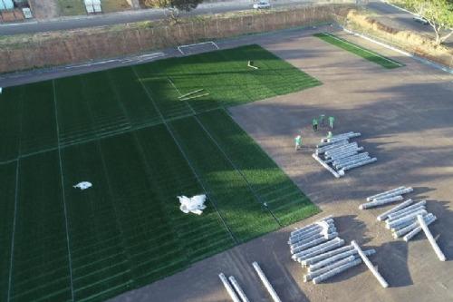 Prefeitura inicia implantação de grama sintética no Estádio Severino de Almeida
