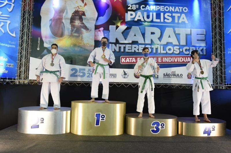 Equipe botucatuense de Karatê conquista 14 medalhas no Paulista